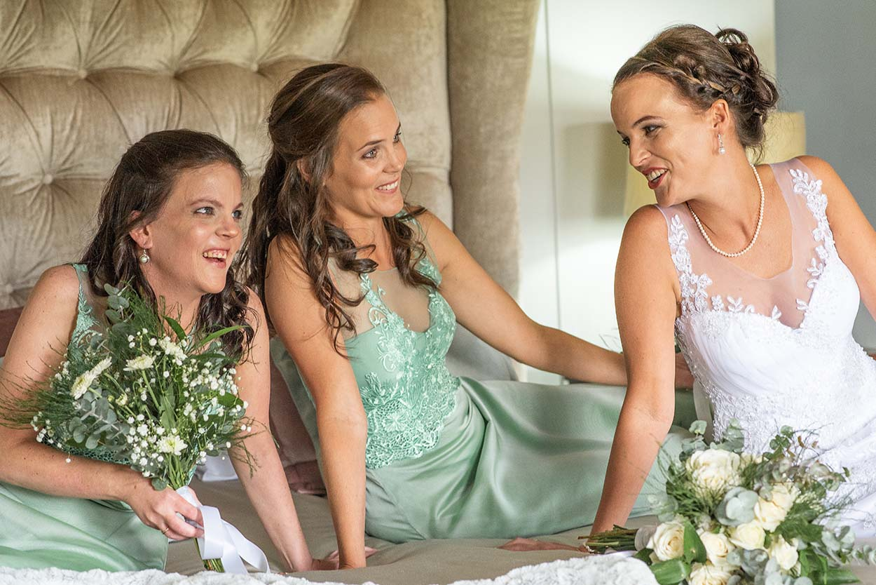 bride and bridesmaids Wedding Photos by Mudboots Photography at Leopard and Lace in Bloemfontein