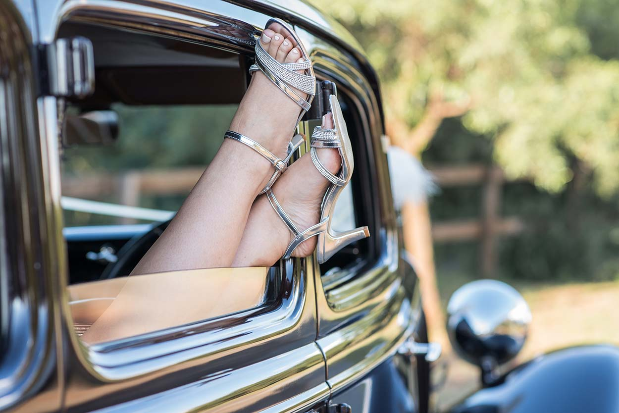 Portfolio bride Wedding Photos by Mudboots Photography at Leopard and Lace in Bloemfontein