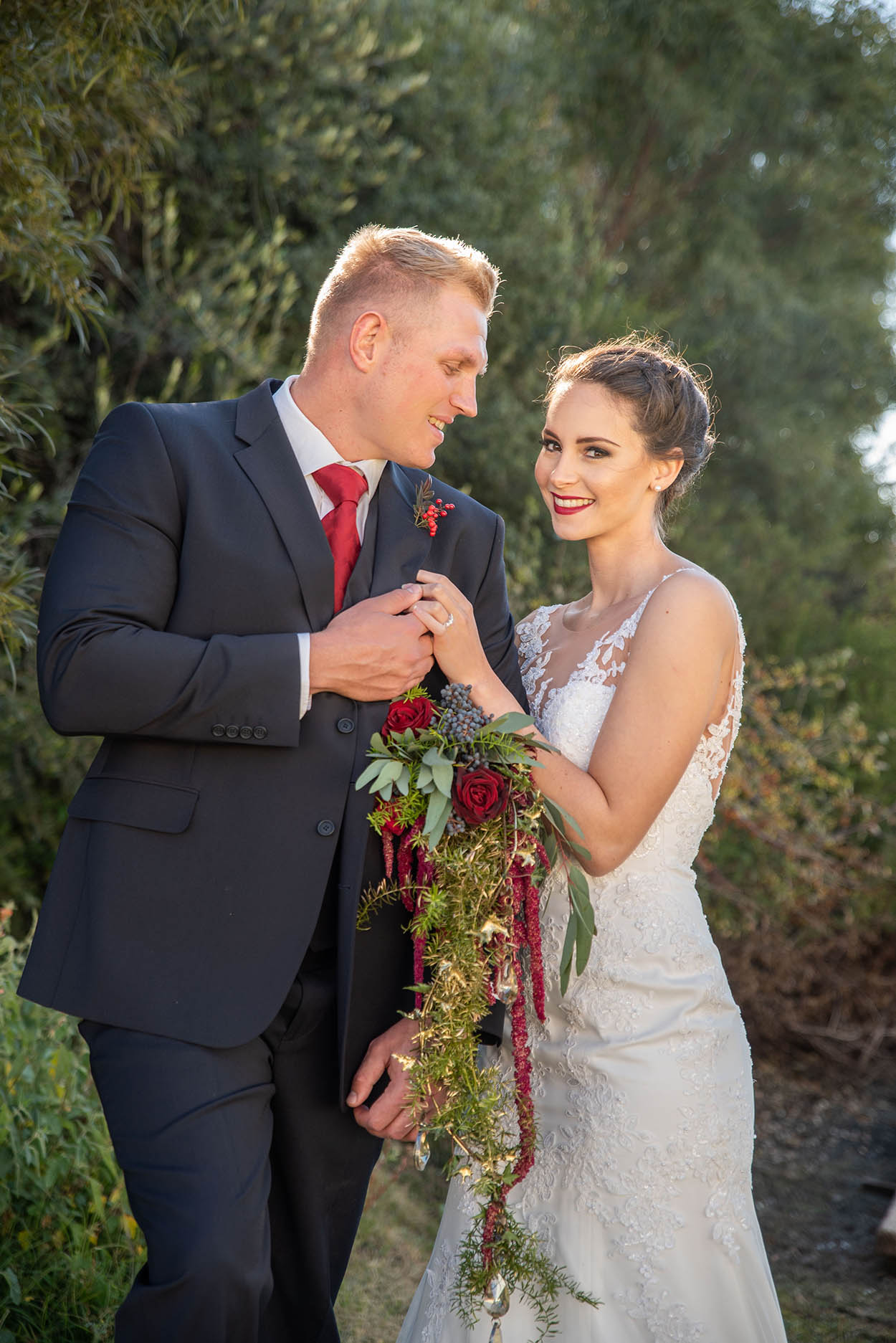 wedding photo by Mudboots at Monte Bello Estate Bloemfontein bridal couple