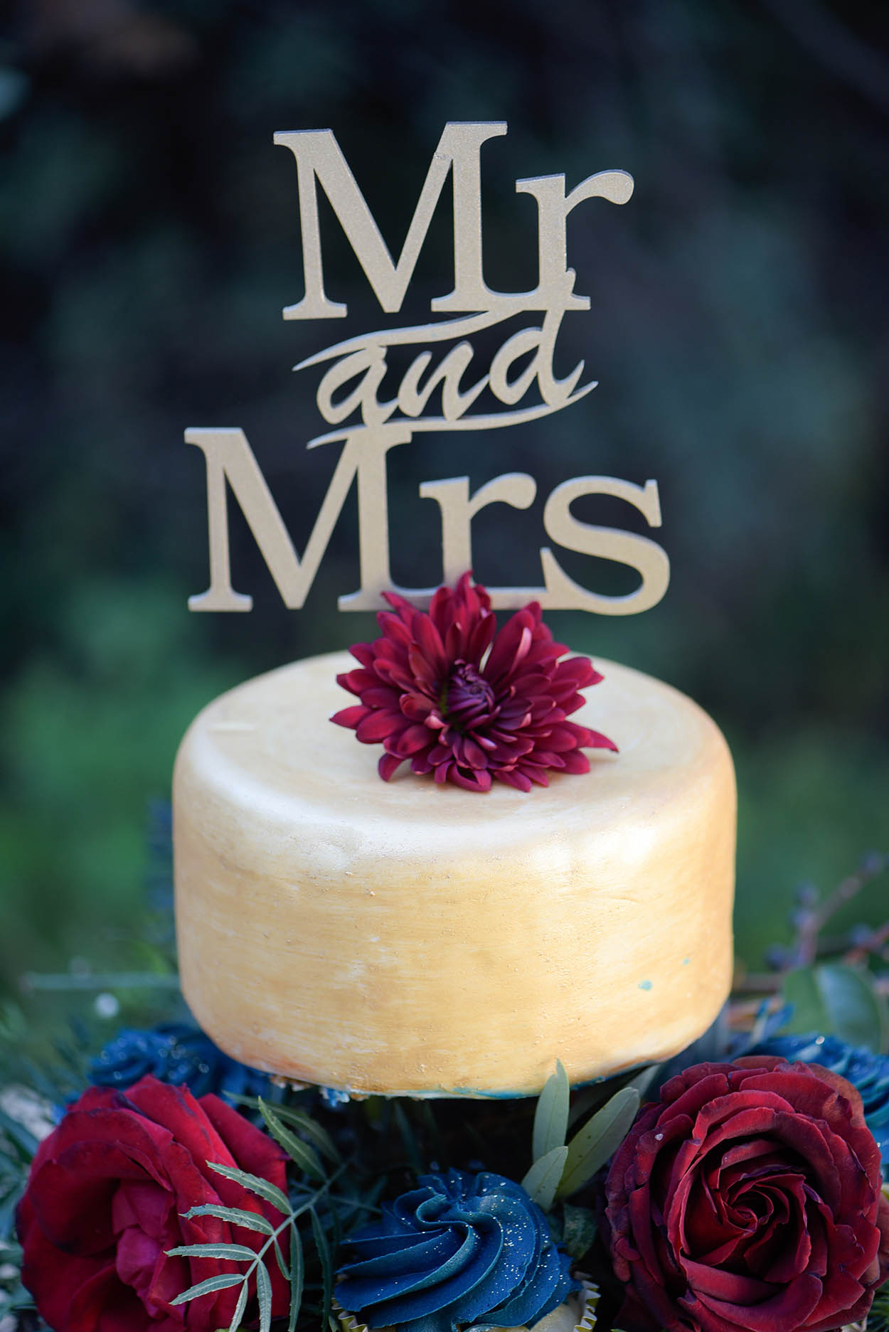 wedding photo by Mudboots at Monte Bello Estate Bloemfontein cake