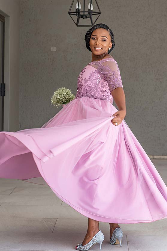 Bridesmaid Wedding at Imvelo Safari Lodge Bloemfontein pink and blue theme photography by Mudboots wedding and event photography