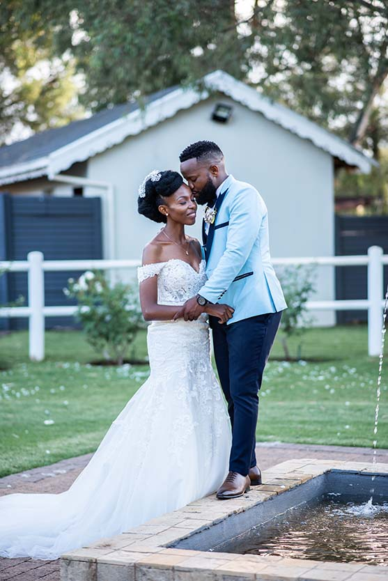 wedding couple at warm karoo bloemfontein